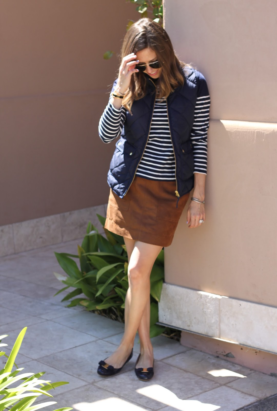 navy and brown outfit