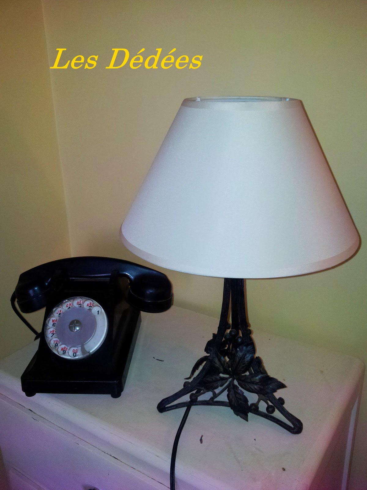 les dedees vintage recup creations petite lampe annees 30 pied fer forge motif vegetal by anne. Black Bedroom Furniture Sets. Home Design Ideas