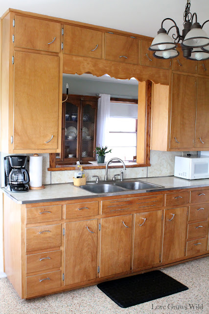 Kitchen Makeover Plans at www.LoveGrowsWild.com #kitchen #vintage #design