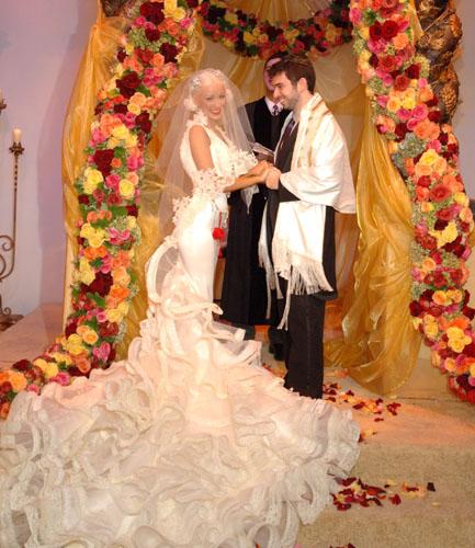 Fashion world latest fashion spanish dresses for Spanish style wedding dresses