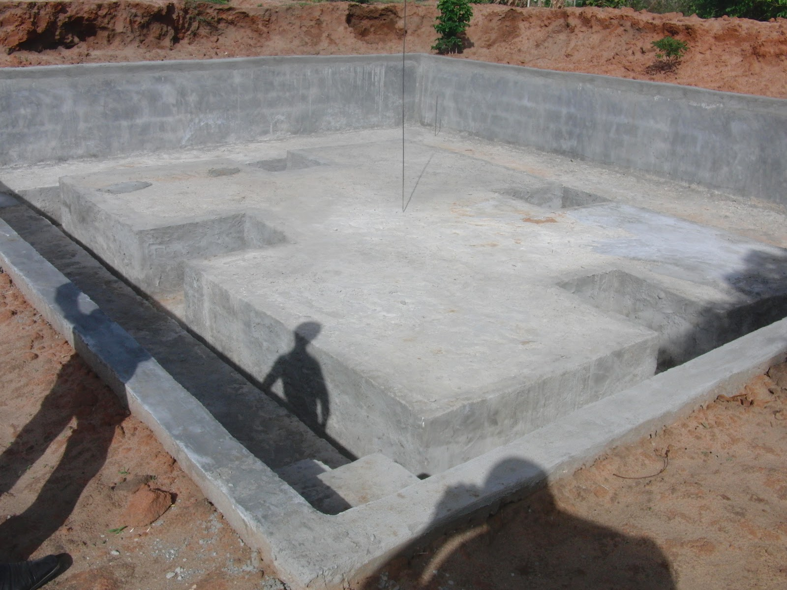 Amisodago consultancy firm concrete fish pond at mwongozo for Concrete fish pond