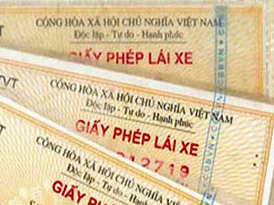 Gia Lai: Đổi giấy phép lái xe tại cơ sở - Người dân phấn khởi