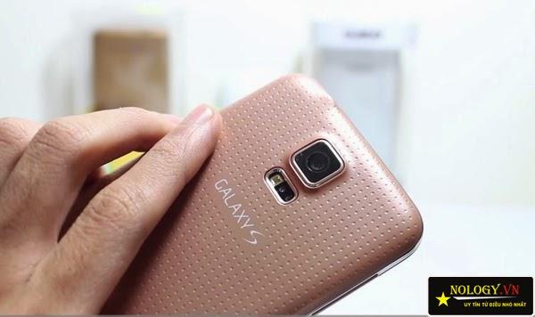 So sánh tổng quát Samsung Galaxy S5 Au và Sony Xperia Z1.
