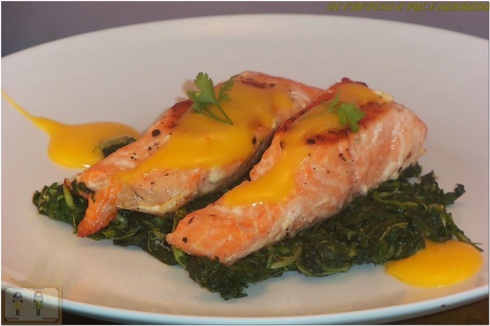 De oropesa a fuenlabrada salm n con acelgas y salsa holandesa for Como se cocina el salmon