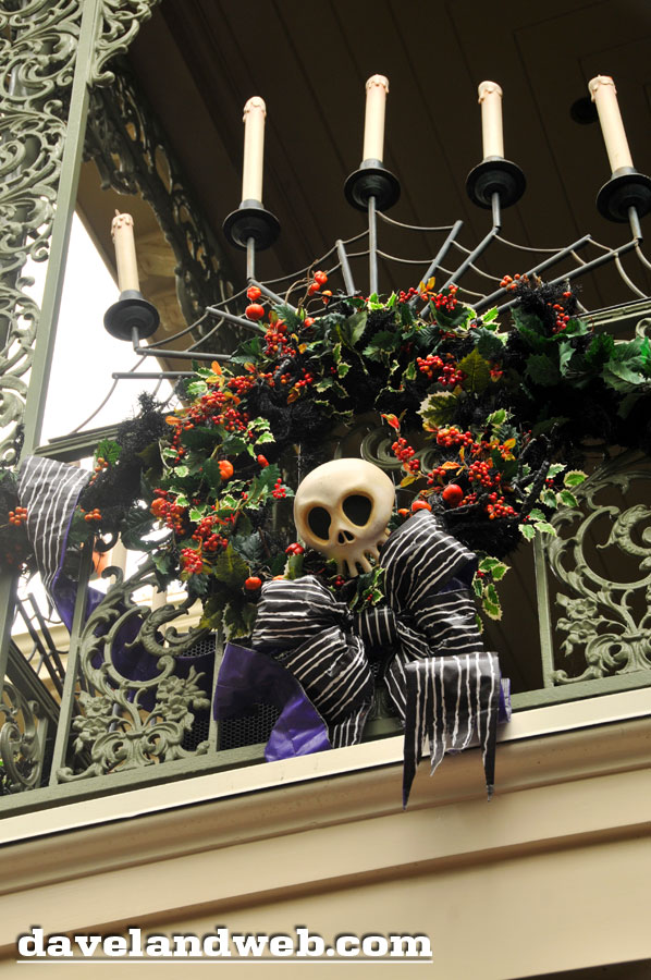 2011 diy prop wreath - Haunted Mansion Nightmare Before Christmas