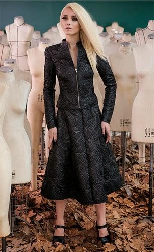 roupa de couro feminina Patrícia Viera coleção inverno jaqueta e saia midi