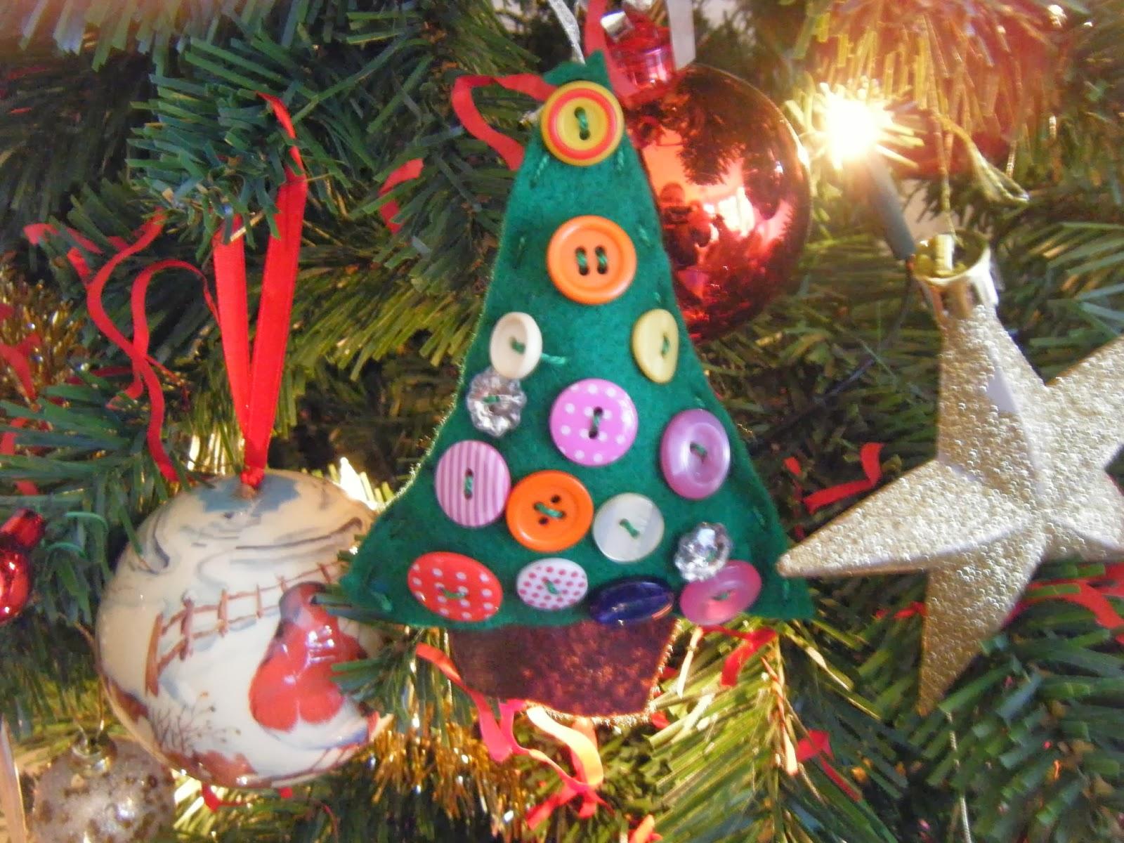 Young hosannas christmas crafts felt trees for Christmas crafts for young children