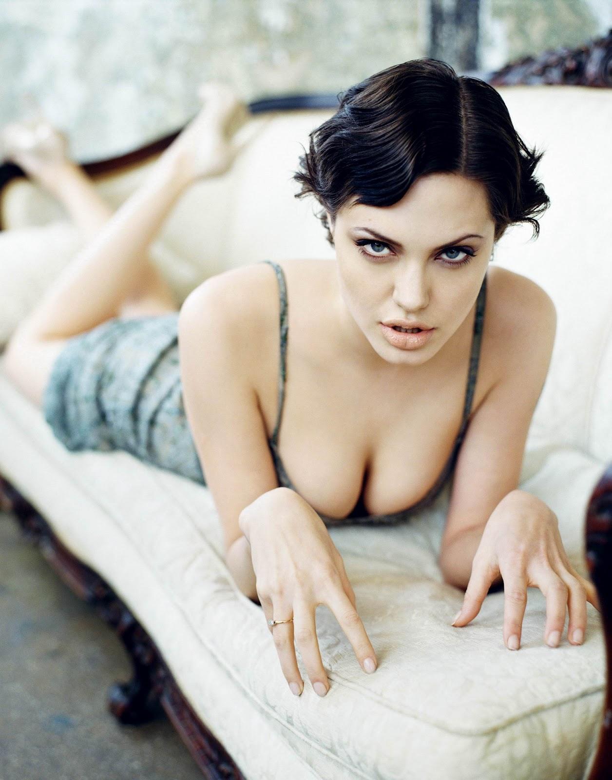 http://2.bp.blogspot.com/-o1uwJnpqK3Y/UCWn-DtHlHI/AAAAAAAAGPU/geOikHTUYLo/s1600/30614_Shahel_Angelina_Jolie_06131710_0006_122_559lo.jpg