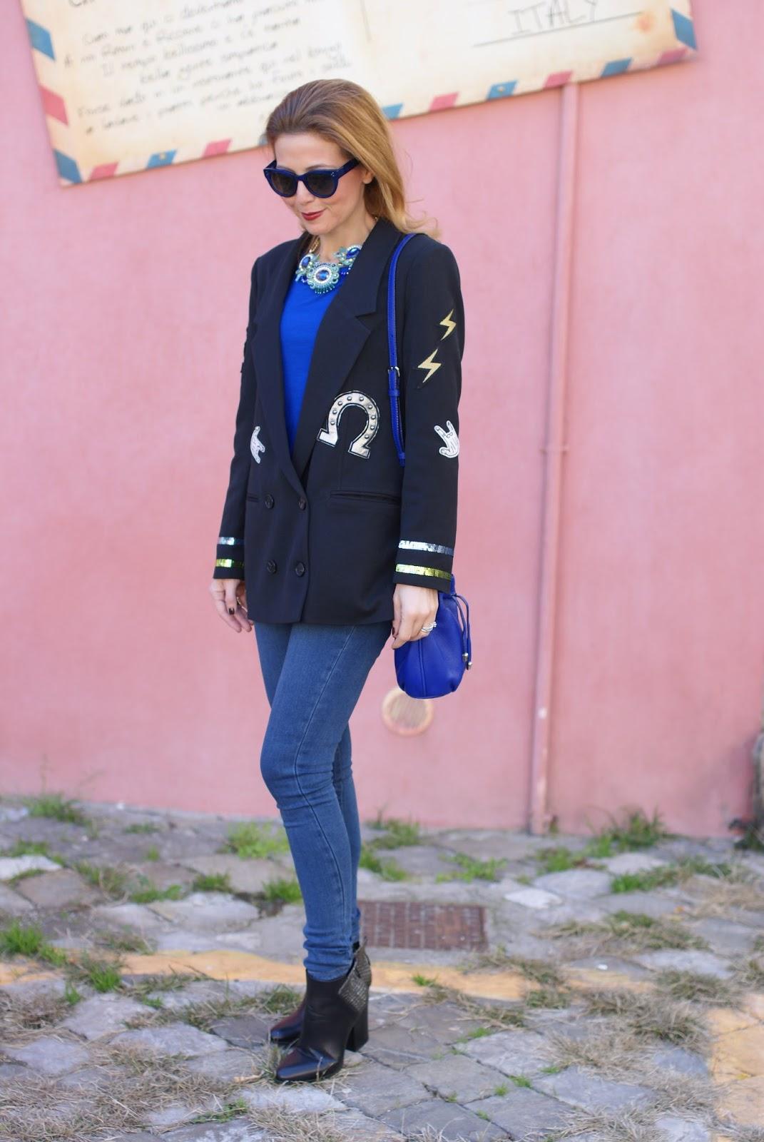 Vogos appliqued blazer and Lorenzo Mari shoes on Fashion and Cookies fashion blog, fashion blogger style
