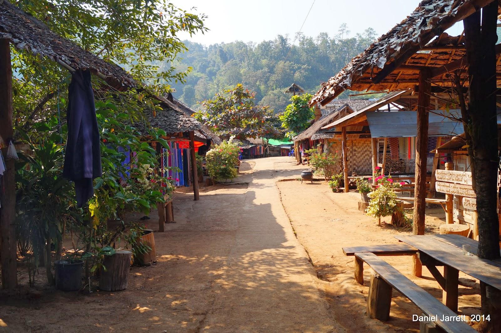 Huay Pu Keng (Baan Nam Piang Din) Street
