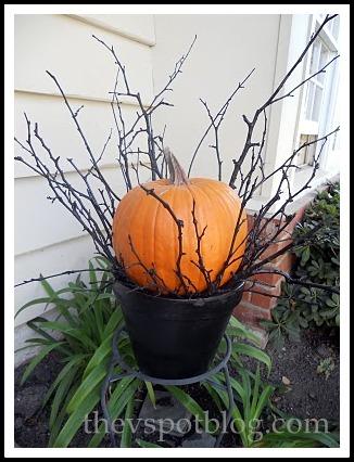 pumpkin sticks twigs Halloween outdoor decor fall autumn & Black twig and pumpkin Halloween porch decor. | The V Spot
