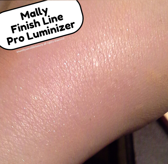 Mally Finish Line Pro Luminizer HIghlighter in Heavenly Swatch