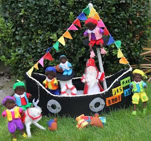 Stoomboot met Sint en Pieten