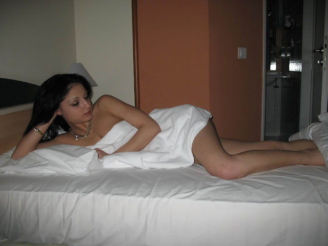 Newly Married Indian Wife Naked In Hotel Room indianudesi.com