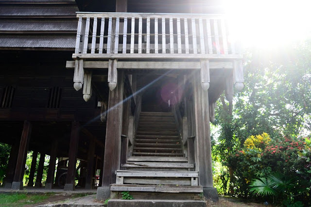 Struktur Tangga Rumah Adat Mandar Kab. Polman