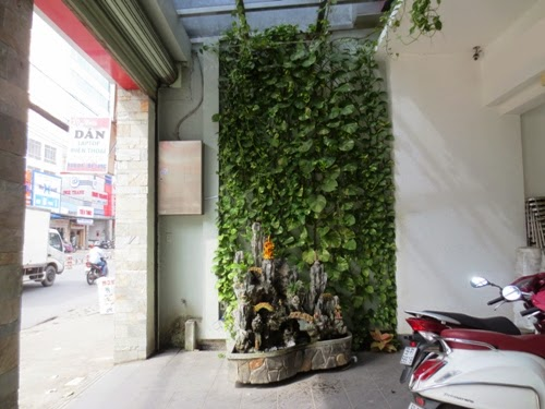 the wall with hanging trees | Outdoor Furniture in Vietnam