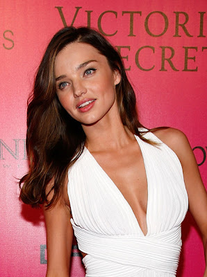 Miranda Kerr Long Wavy Cut Hairstyle