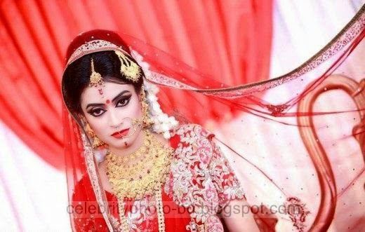 Photos%2Bof%2BBangladeshi%2BBrides%2Bin%2BRed%2BSaree%2BAt%2BBridal%2BMoments014