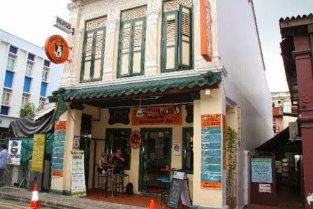 Hotel Ini Terletak Di Dunlop Street Nomor 101 Yang Berada Pada Kawasan Little India Penginapan Hanya Sekitar 10 Menit Dengan Berjalan Kaki