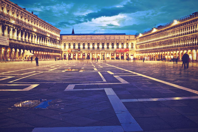 piazza-san-marco-at-night