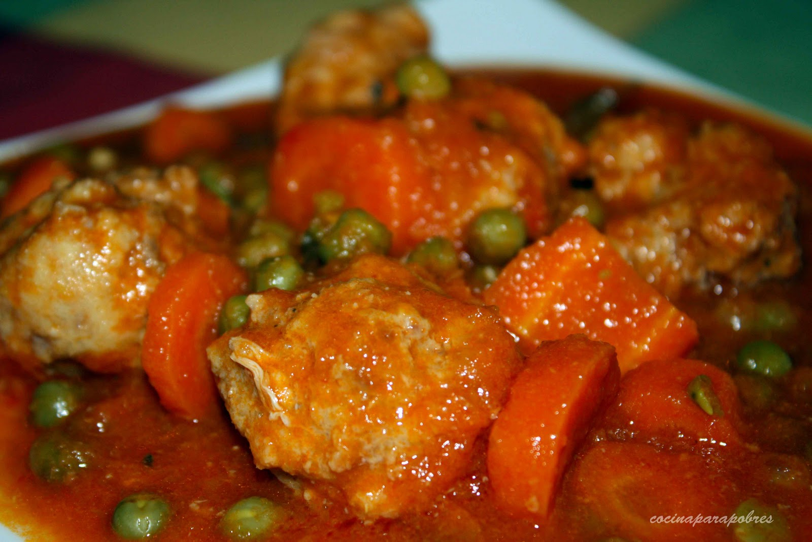guisantes con tomate: