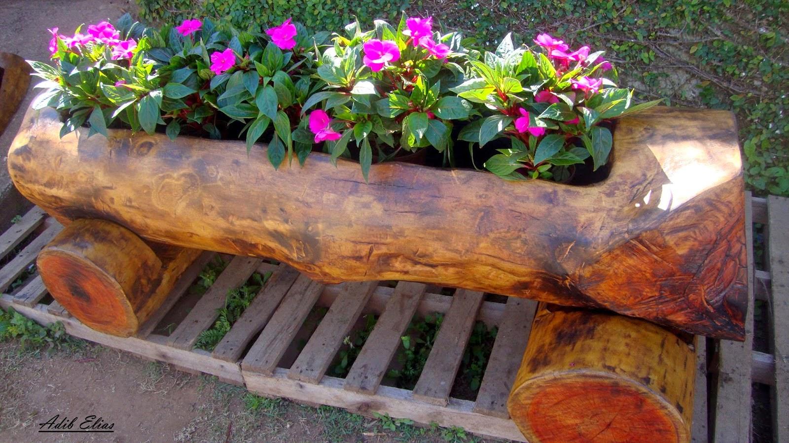 Troncos e raizes: Floreiras em troncos de madeira reciclada #9A6231 1600x899