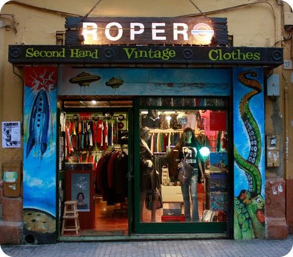Como dior manda hoy visitamos ropero sevilla vintage - Decoracion vintage sevilla ...