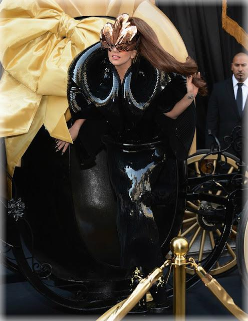 El Carruaje de la Reina Lady Gaga