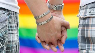 DW: Militanții emancipării homosexuale urmăresc un ideal greșit și ei vor fi primii decepționați...