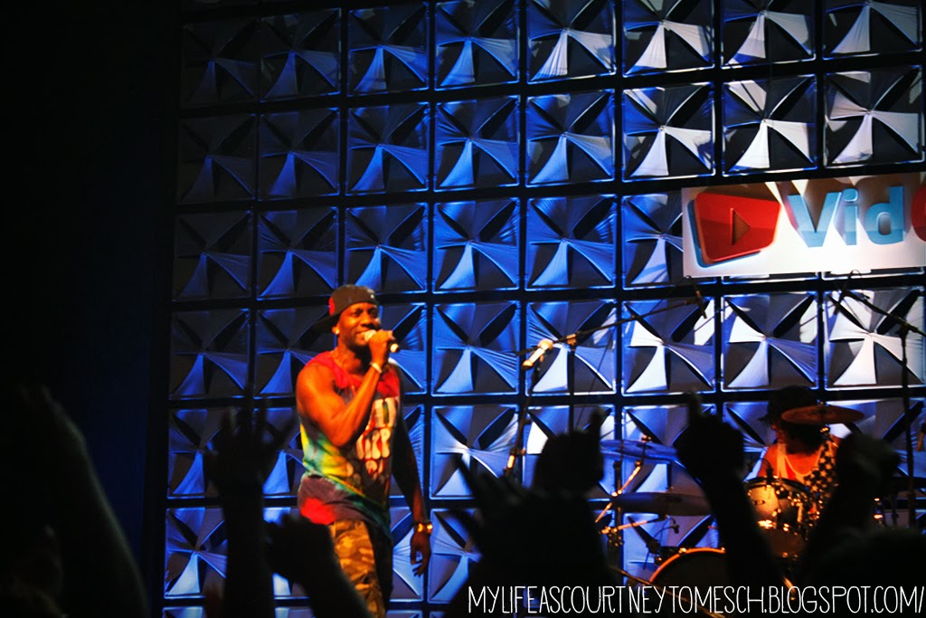 VidCon 2013 DeStorm Powers