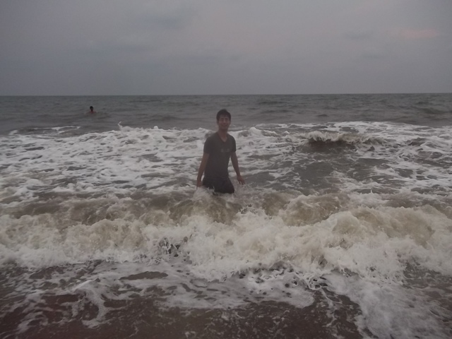 Rahul bhardwaj in cherai beach