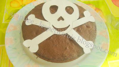 Gâteau d'anniversaire pirate pochoir