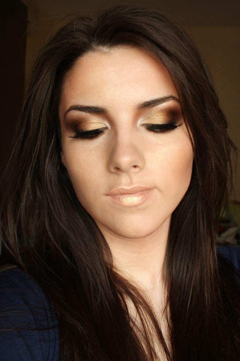 Deea make-up: Golden Smokey Eyes (Kim Kardashian Inspired)