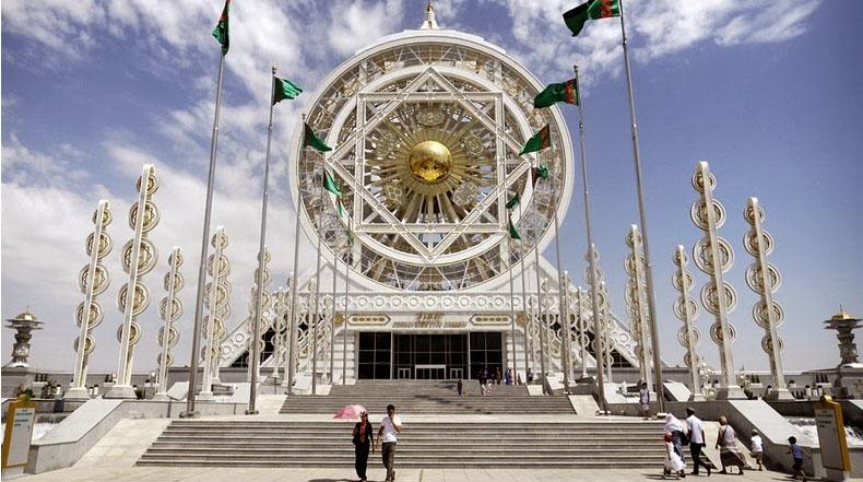 Ashgabat: La ciudad blanca de mármoles