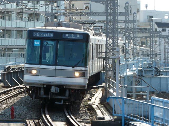 東京メトロ日比谷線 北千住行き4 03系幕式5扉
