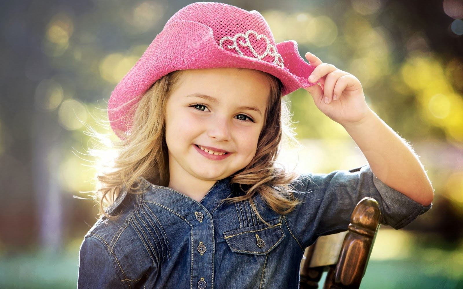 Cute Little Baby Girl With Nice Pink Hat HD Wallpaper