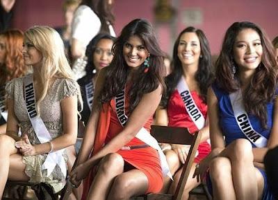 gambar Catalina Robayo Miss Universe Colombia panties underwear celana dalam