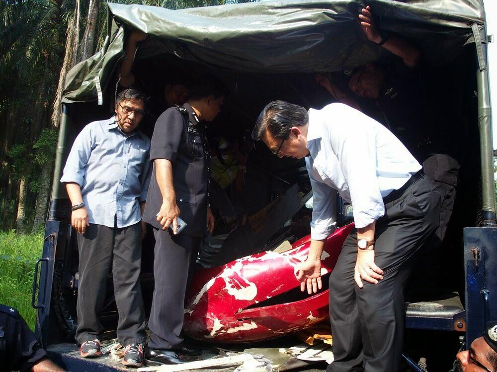 Bangkai Helikopter Malang AS365 Dibawa Ke Pangkalan Udara PDRM Sg Besi