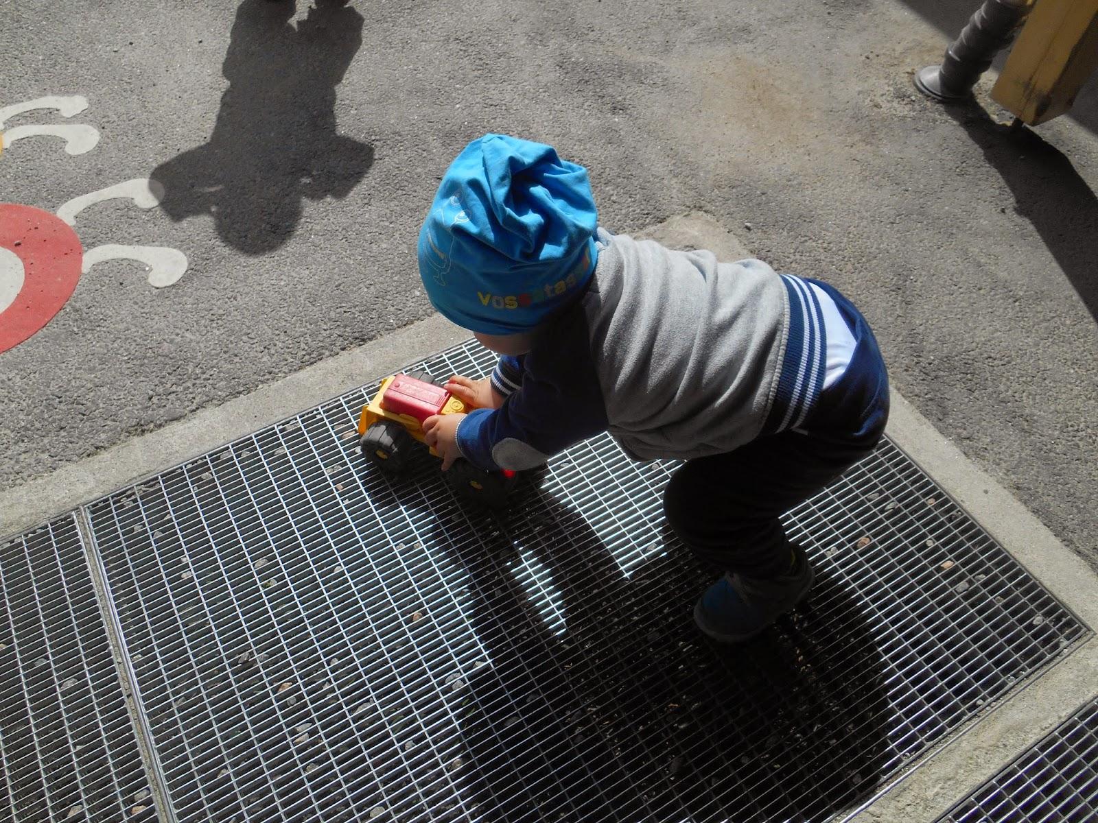 isen bøtte voksne leker for henne