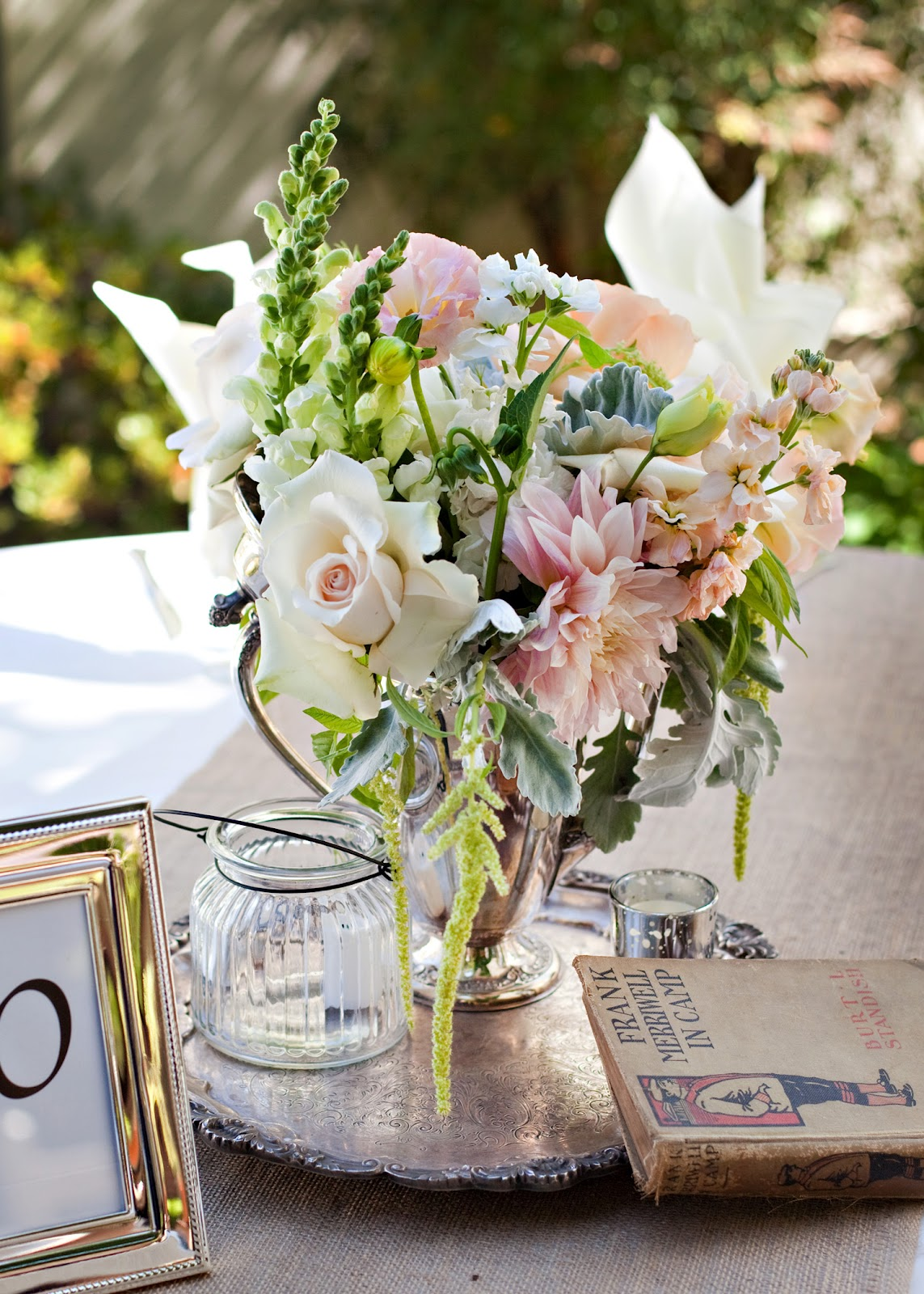 Pretty vintage table orcutt ranch vintage wedding for Pretty html table