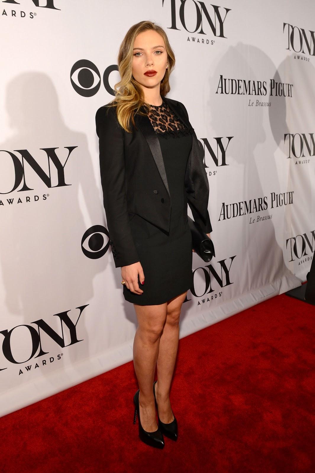 http://2.bp.blogspot.com/-o5RpdZoghlc/UbaCeBC-lAI/AAAAAAAAgmo/ZDUrJvSSsQQ/s1600/Scarlett+Johansson+at+The+67th+Annual+Tony+Awards+Red+Carpet+-+June+9,+2013+-05.jpg