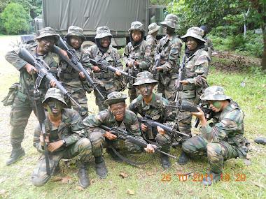 Kami dengan M16 kami la!!!