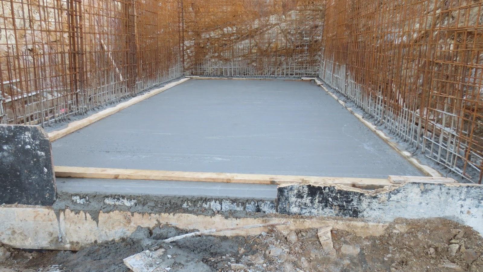Les fondations et le garage la construction de notre for Construction garage en beton