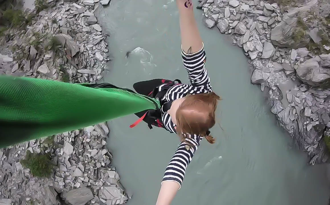Things to do in Queenstown New Zealand : Shotover Canyon Swing