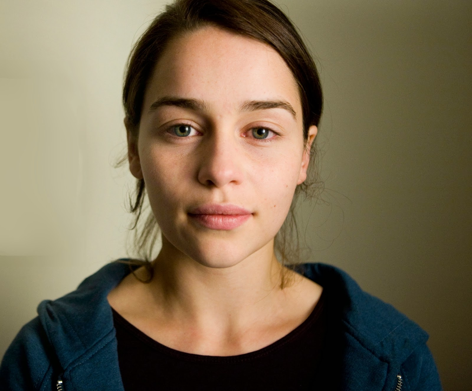 Halloween makeup tutorials costume ideas and party planning the emilia clark with no makeup baditri Image collections