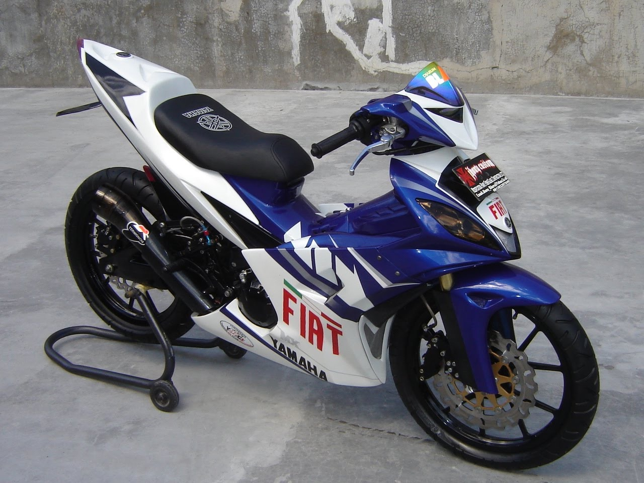 Modifikasi Jupiter Mx Biru Putih