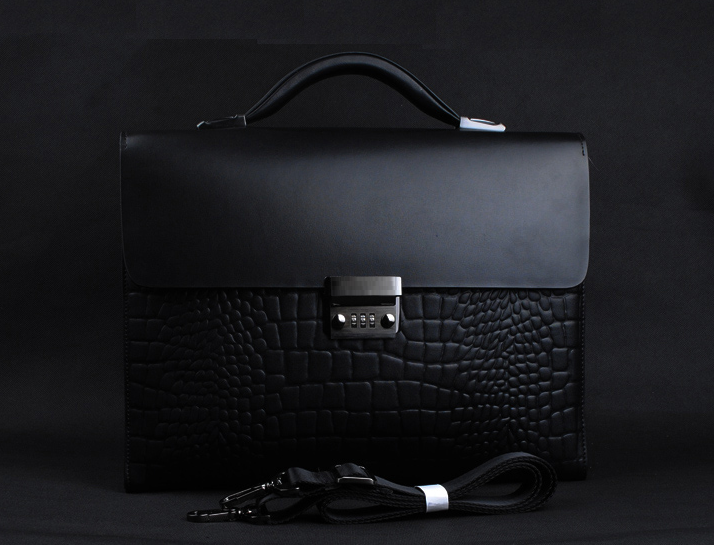 Top Choice: Classic Crocodile Leather Mens Laptop Lock Black Bag X813XFZKPI