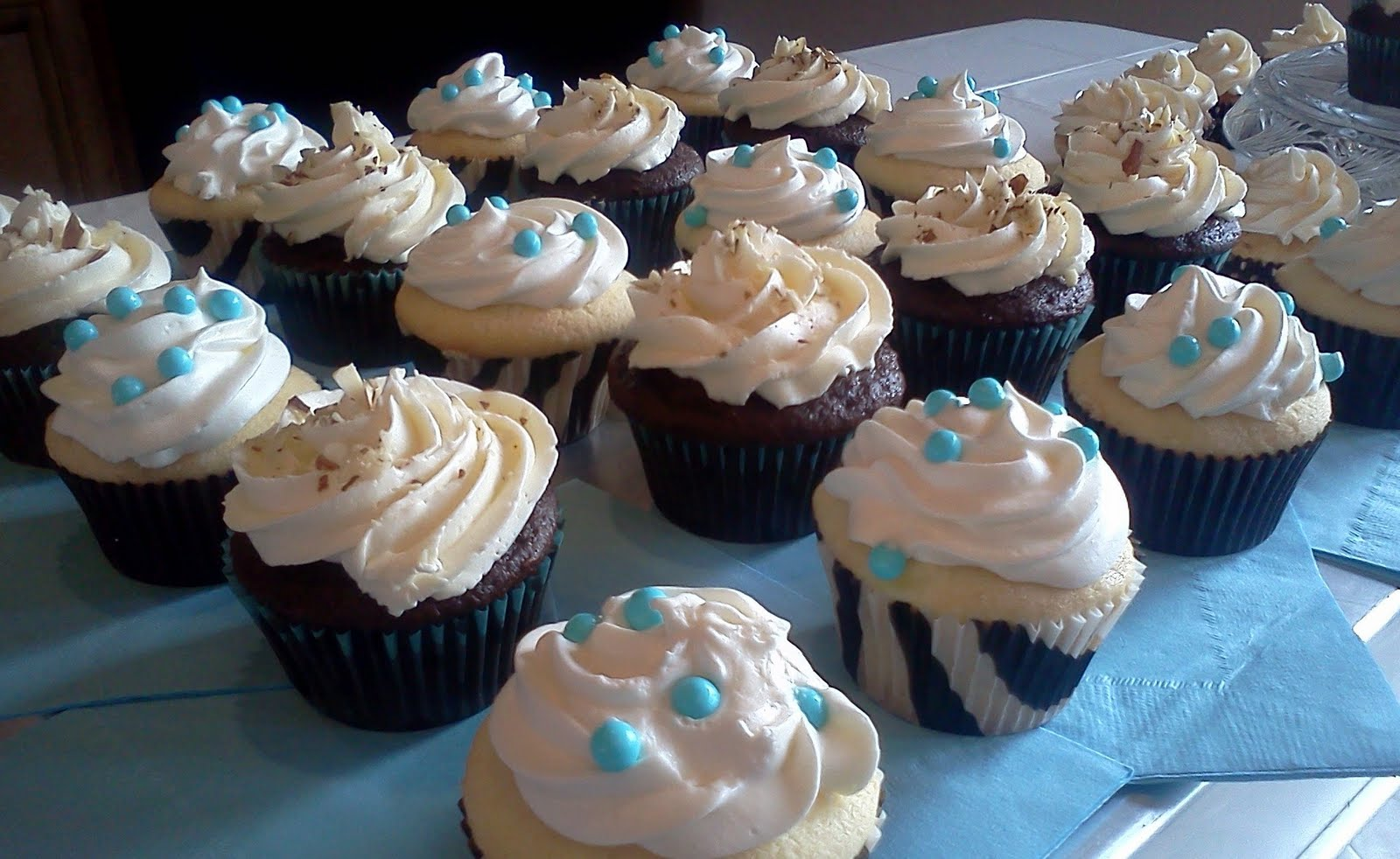 hot pink cakes baby boy shower cupcakes