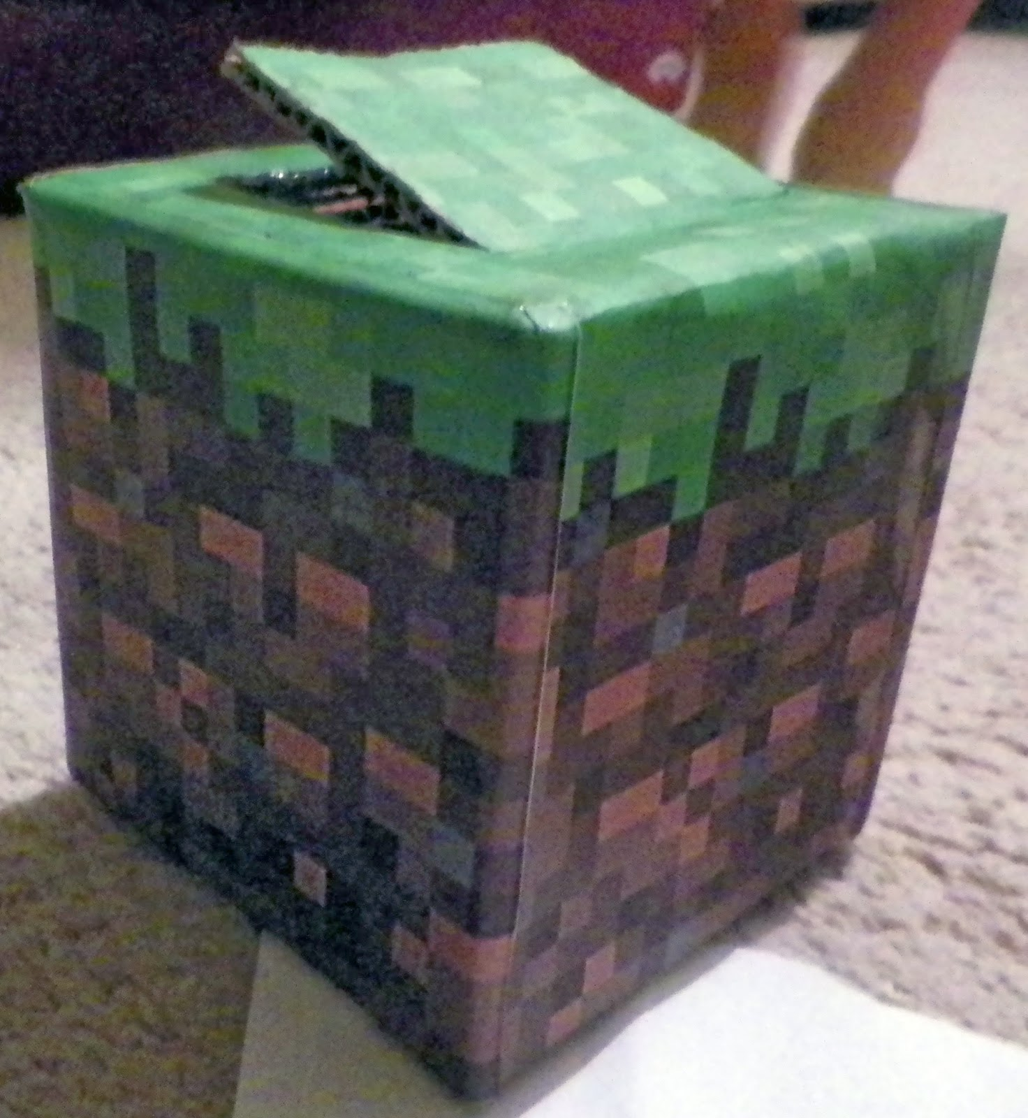 Minecraft Valentine Card Tutorial and Printable. Copyright Cassie's Creative Crafts