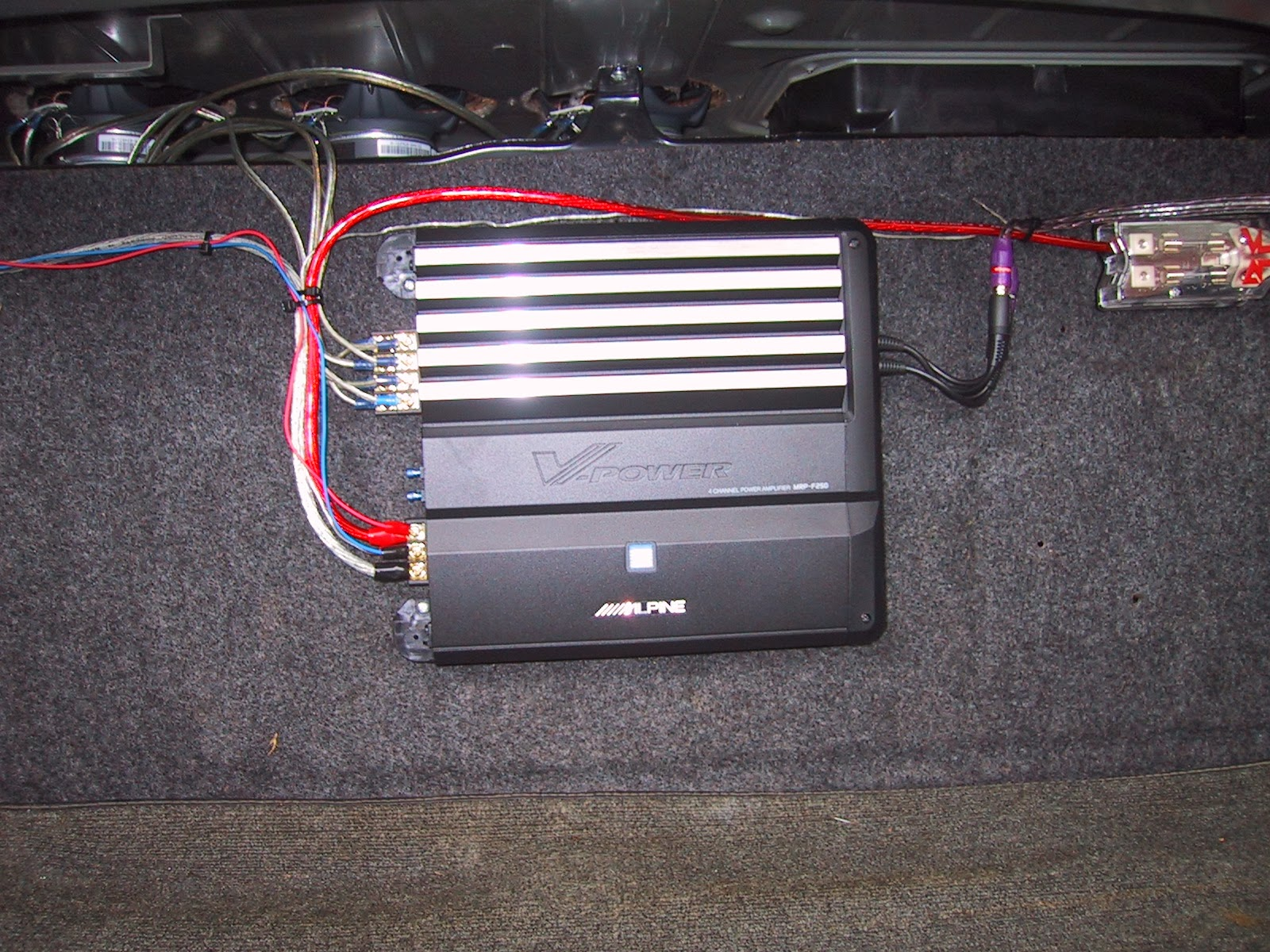 Car amplifier hookup